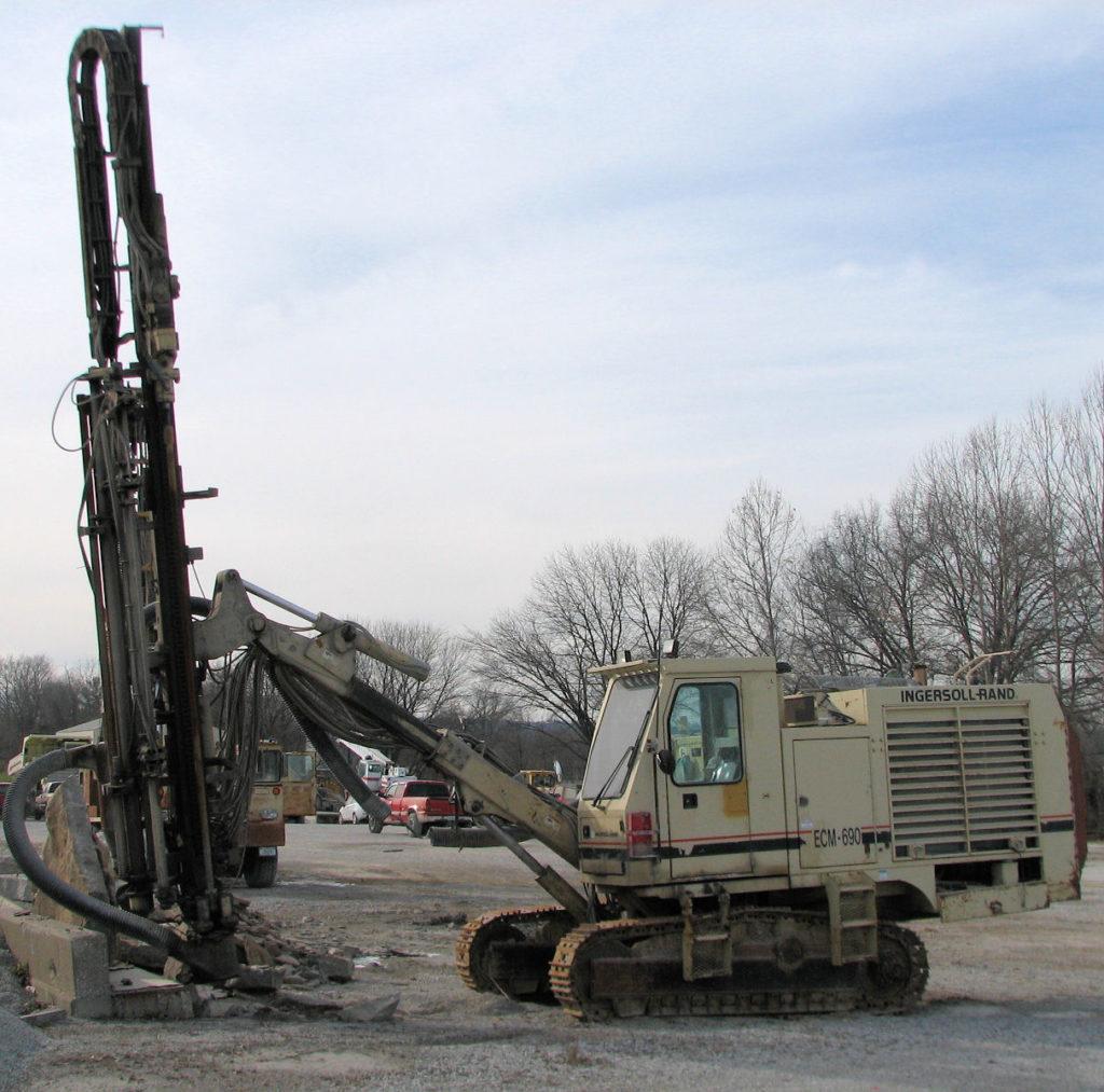 http://jumbosan.com.tr/wp-content/uploads/ingersoll-rand-rock-drill-jumbosan-machine-drilling-blasting-spare-parts-drifter-3.jpg